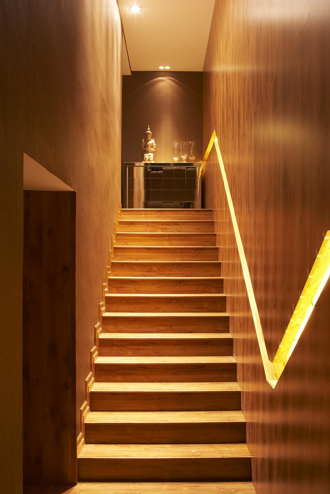 Escada Mostra VB