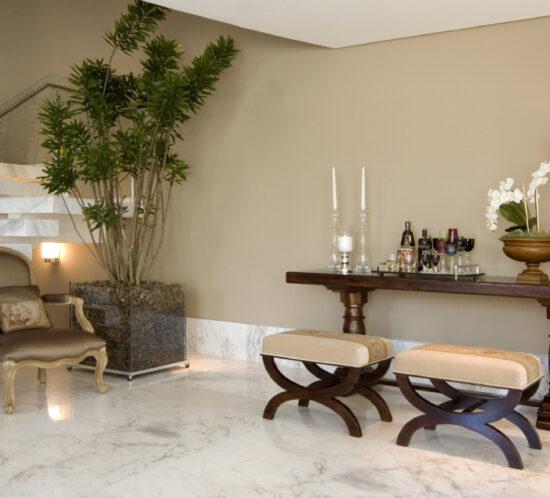 Foyer escada - Casa Alphaville